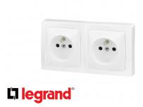 Double prise de courant 16A 2P+T Legrand Otéo complète