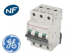 Disjoncteur modulaire tripolaire General Electric